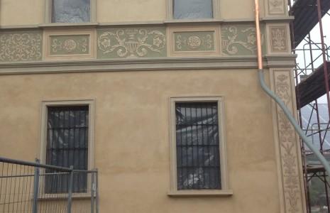 facciata decorata graffito