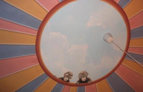 camerata decorata con scimmiette