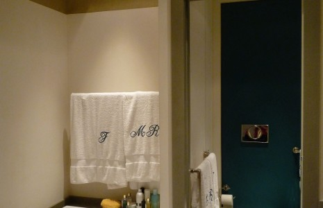 sala bagno decorata